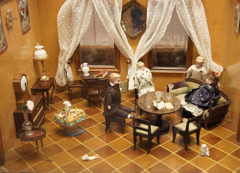 miniature home puppenhaus 1840s DEF